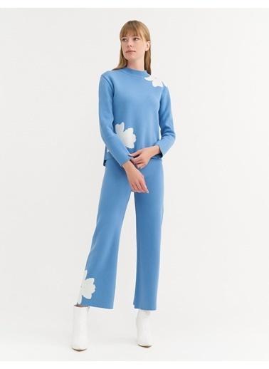BGN Mavi-Ekru - Çiçek Detay Triko Kazak - Pantolon Takım Mavi